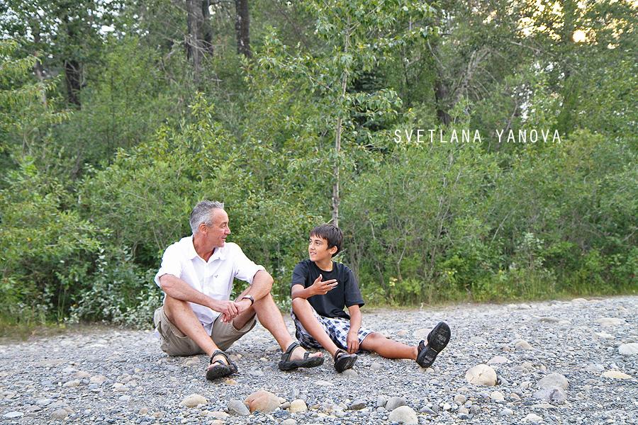 Edworthy Park, family photos, Calgary family photographer, fun family pics
