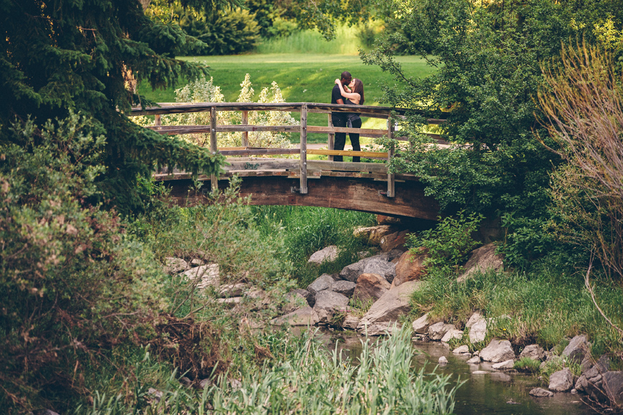 Calgary Engagement photos, calgary engagement photographers, confederation park photos, outdoor engagement photos, svetlana yanova