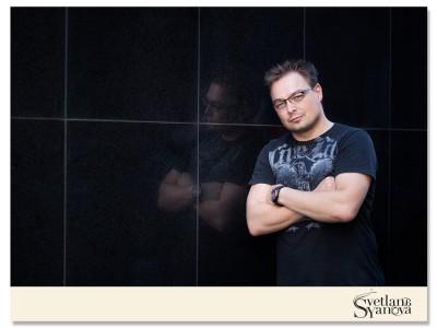 Calgary Portrait photographer, book cover images, business head shots calgary 1