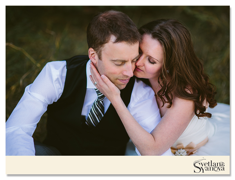 small intimate wedding calgary, calgary wedding photos, panning wedding images calgary