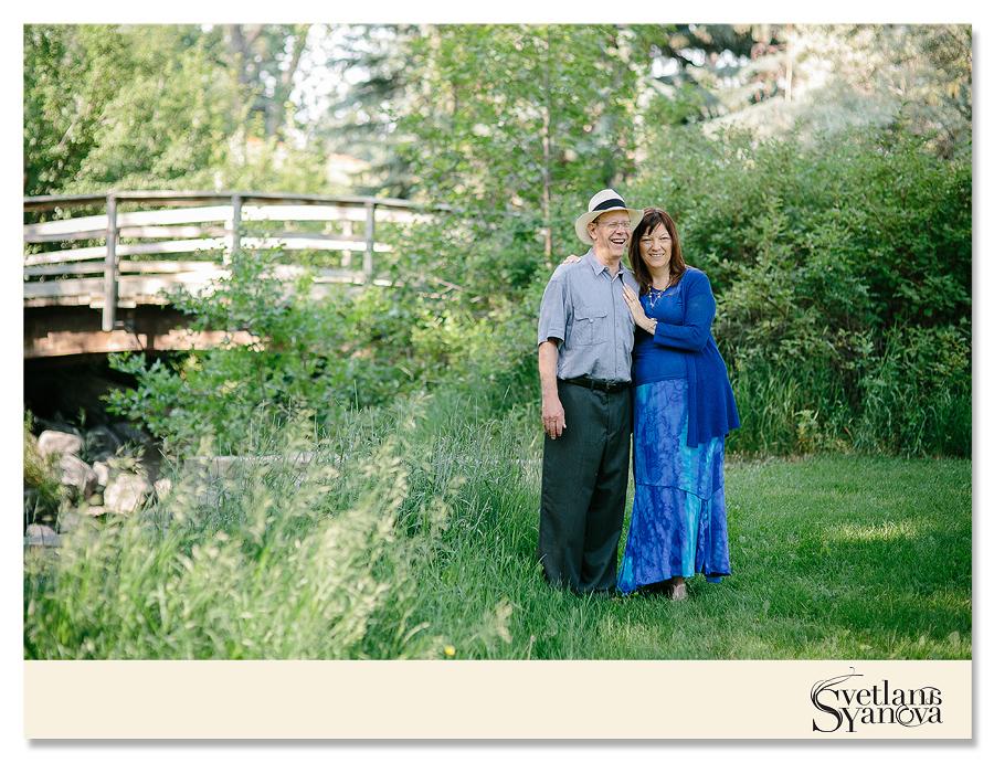 Anniversary photo session, calgary engagement photo, calgary park photos, edworthy park, calgary wedding photos, soft romantic, elegant, classy, timeless photos