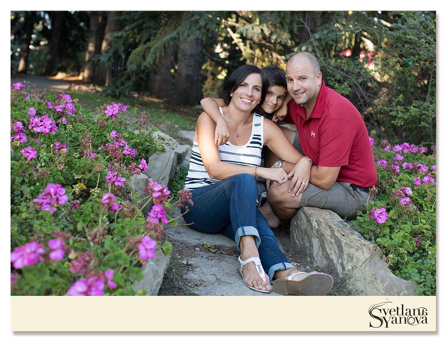 riley park family photos, calgary family photos, calgary family photographer, beautiful family photos, professional family photos calgary