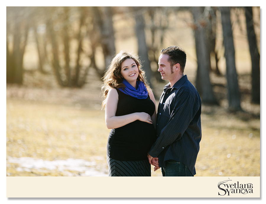 maternity photos in calgary, lifestyle, not posed, natural, amazing photos, relaxed and romantic maternity calgary