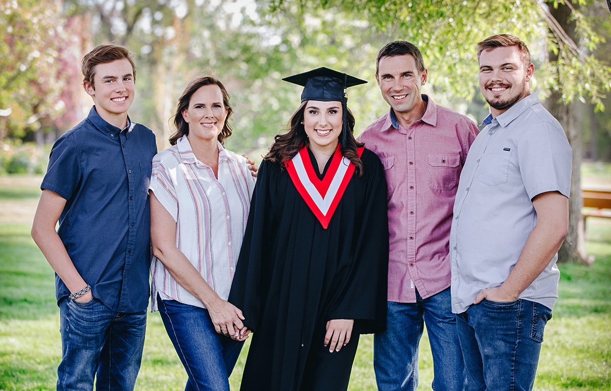 yyc grad, calgary grad, yyc family photos, yyc family photographer, calgary family photos, calgary family photographer, Svetlana Yanova, calgary grads 2020, yyc grads of 2020, family photos calgary,